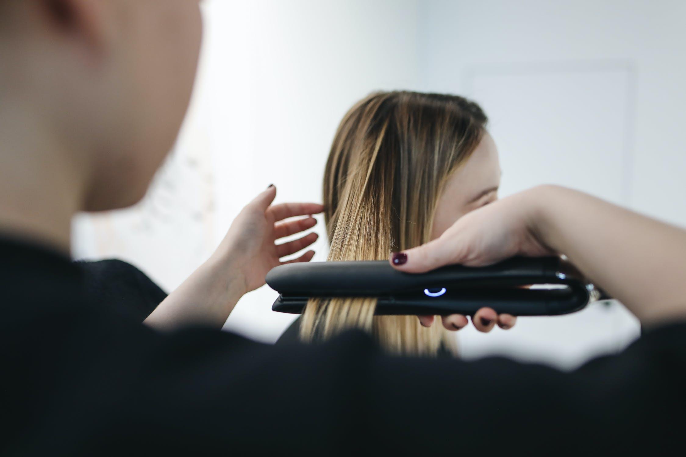 Come scegliere la migliore piastra per capelli? Guida alla scelta
